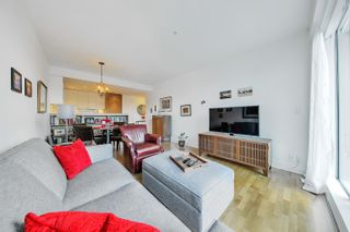 """Photo 5: 212 2128 W 40TH Avenue in Vancouver: Kerrisdale Condo for sale in """"Kerrisdale Gardens"""" (Vancouver West)  : MLS®# R2616322"""