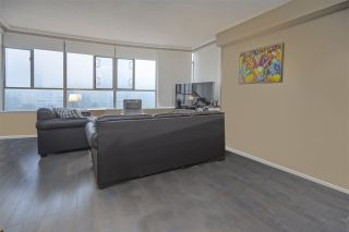 """Photo 5: 905 5885 OLIVE Avenue in Burnaby: Metrotown Condo for sale in """"METROPOLITAN"""" (Burnaby South)  : MLS®# R2428236"""
