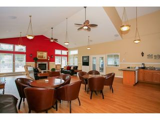 """Photo 35: 98 9012 WALNUT GROVE Drive in Langley: Walnut Grove Townhouse for sale in """"Queen Anne Green"""" : MLS®# R2456444"""