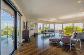 Photo 4: MISSION HILLS House for sale : 3 bedrooms : 2021 Rodelane St in San Diego