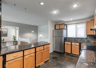 Photo 12: 72 Riverbirch Crescent SE in Calgary: Riverbend Detached for sale : MLS®# A1094288