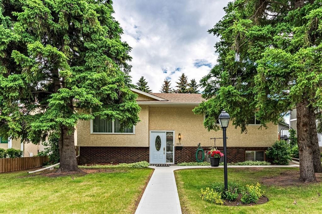 Main Photo: 623 HUNTERFIELD Place NW in Calgary: Huntington Hills Detached for sale : MLS®# C4258637
