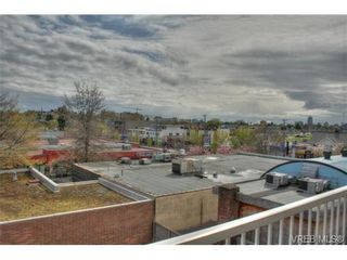 Photo 12: 402 1025 Hillside Ave in VICTORIA: Vi Hillside Condo for sale (Victoria)  : MLS®# 698158