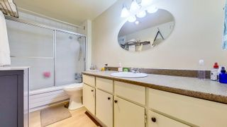 """Photo 11: 404 4941 LOUGHEED Highway in Burnaby: Brentwood Park Condo for sale in """"Douglas View"""" (Burnaby North)  : MLS®# R2625267"""