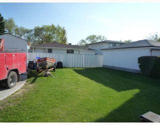 Photo 2: 612 HARTFORD Avenue in WINNIPEG: West Kildonan / Garden City Residential for sale (North West Winnipeg)  : MLS®# 2909689
