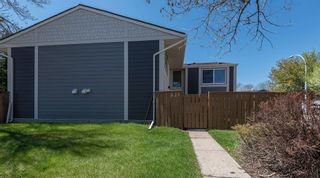 Photo 2: 521 WILLOW Court in Edmonton: Zone 20 Townhouse for sale : MLS®# E4245583
