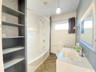 Photo 18: 319 Railway Avenue in Outlook: Residential for sale : MLS®# SK872424