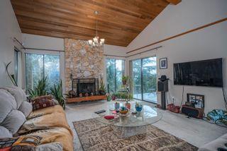 "Photo 4: 1305 CHARTER HILL Drive in Coquitlam: Upper Eagle Ridge House for sale in ""UPPER EAGLE RIDGE"" : MLS®# R2616938"