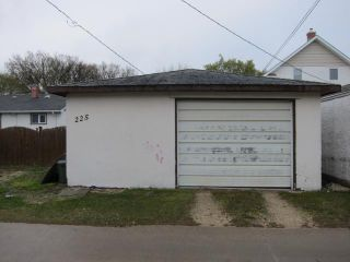 Photo 11: 225 Ralph Avenue West in WINNIPEG: Transcona Residential for sale (North East Winnipeg)  : MLS®# 1208846