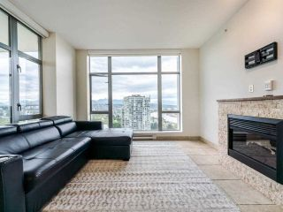 """Photo 4: 2002 280 ROSS Drive in New Westminster: Fraserview NW Condo for sale in """"The Carlyle"""" : MLS®# R2577017"""