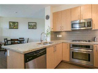 Photo 7: # 425 119 W 22ND ST in North Vancouver: Central Lonsdale Condo for sale : MLS®# V1075504