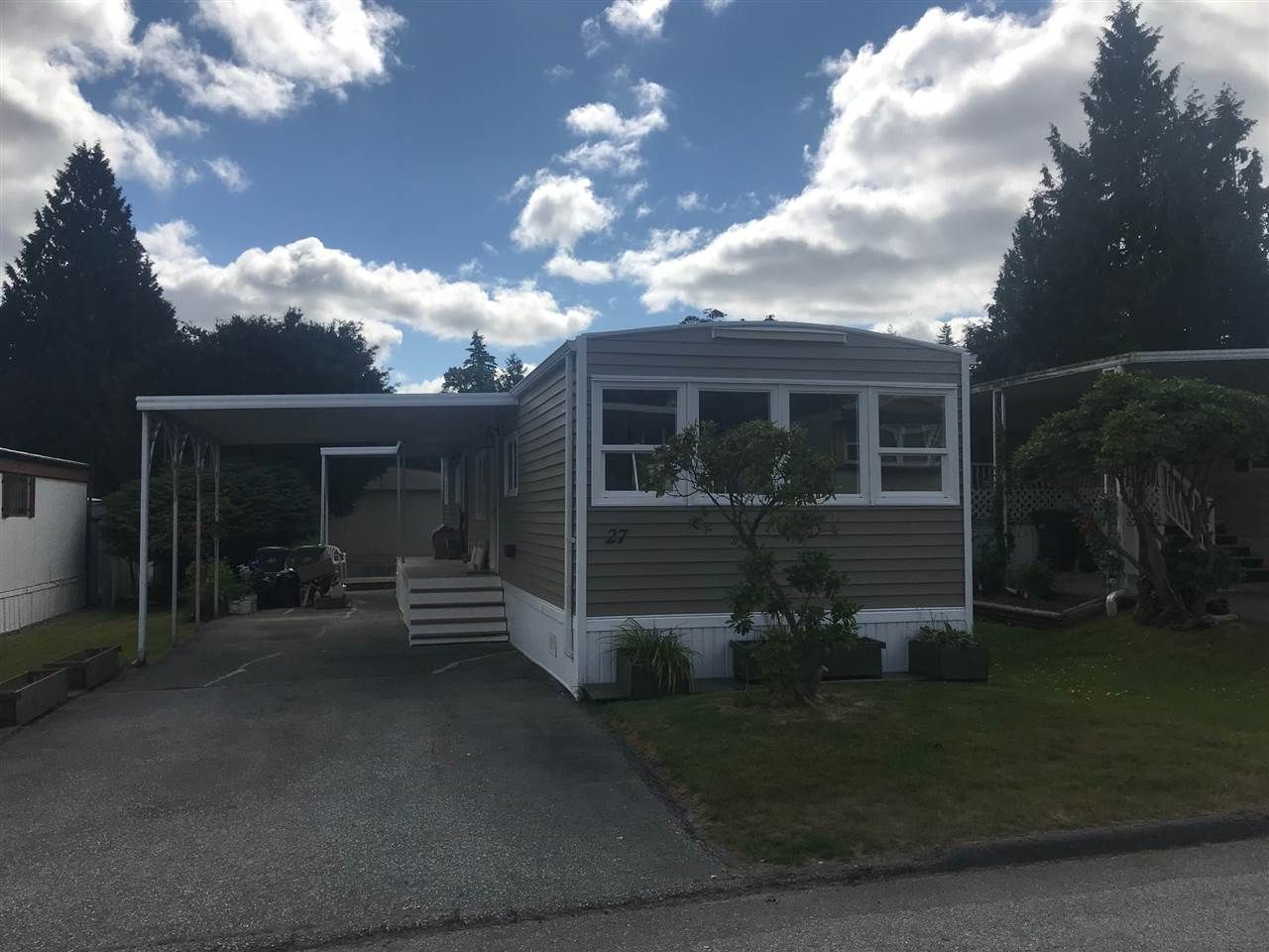 Main Photo: 27 7790 KING GEORGE BOULEVARD in : East Newton Manufactured Home for sale : MLS®# R2381622
