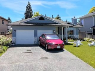 Photo 2: 763 E 10TH Street in North Vancouver: Boulevard House for sale : MLS®# R2541914