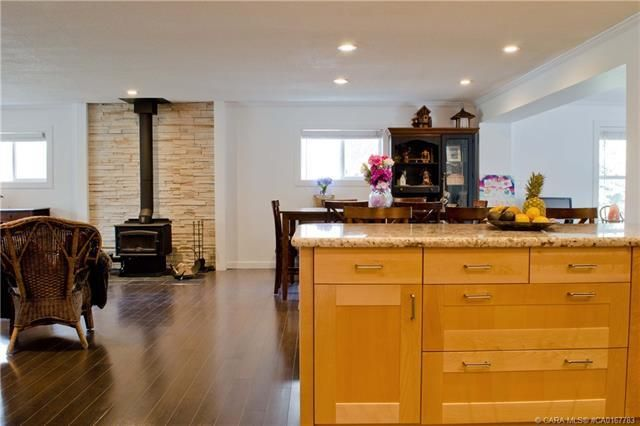 Photo 10: Photos: 70 Lakeview Avenue in Gull Lake: Residential for sale : MLS®# CA0167783