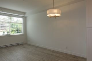 """Photo 8: 105 20673 78 Avenue in Langley: Willoughby Heights Condo for sale in """"Grayson"""" : MLS®# R2444196"""