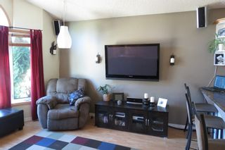Photo 5: 28 Rothshire Drive in Winnipeg: Transcona Residential for sale ()