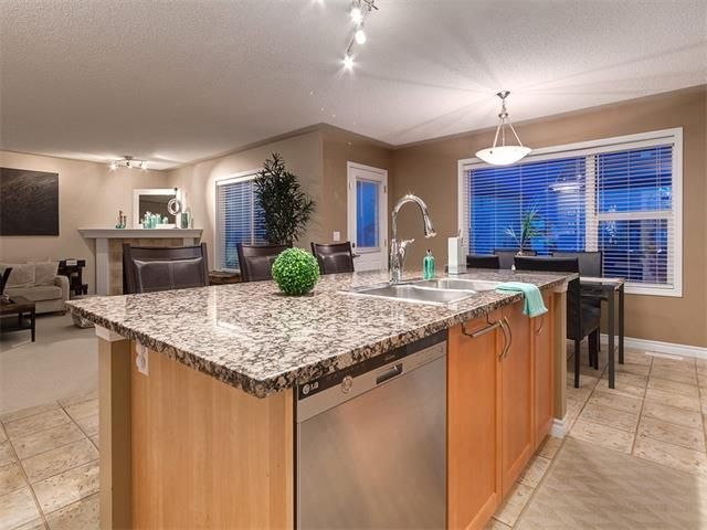 Photo 10: Photos: 40 COUGARSTONE Manor SW in Calgary: Cougar Ridge House for sale : MLS®# C4087798