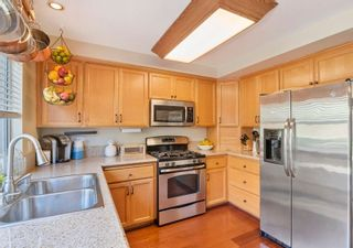 Photo 13: CARMEL VALLEY Condo for sale : 2 bedrooms : 3695 Caminito Carmel Lndg in San Diego