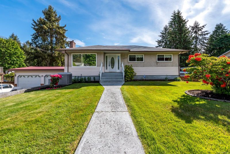 FEATURED LISTING: 1250 Webdon Rd