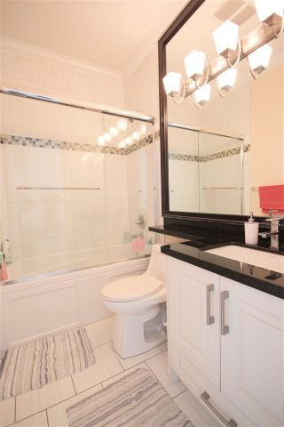 "Photo 14: 6212 NEVILLE Street in Burnaby: South Slope 1/2 Duplex for sale in ""South Slope"" (Burnaby South)  : MLS®# R2570951"