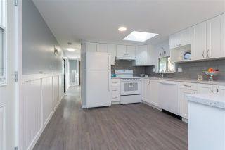 """Photo 5: 32 20071 24 Avenue in Langley: Brookswood Langley Manufactured Home for sale in """"Fernridge Estates"""" : MLS®# R2438182"""