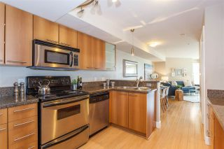 """Photo 10: 304 1718 VENABLES Street in Vancouver: Grandview VE Condo for sale in """"CITY VIEW TERRACES"""" (Vancouver East)  : MLS®# R2145725"""