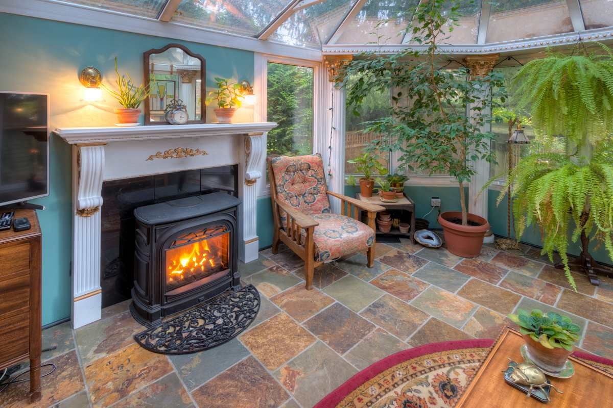 """Photo 44: Photos: 214 FOURTH Avenue in New Westminster: Queens Park House for sale in """"QUEENS PARK"""" : MLS®# R2136258"""
