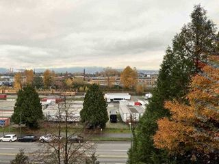 """Photo 4: 724 774 GREAT NORTHERN Way in Vancouver: Mount Pleasant VE Condo for sale in """"PACIFIC TERRACES"""" (Vancouver East)  : MLS®# R2352100"""