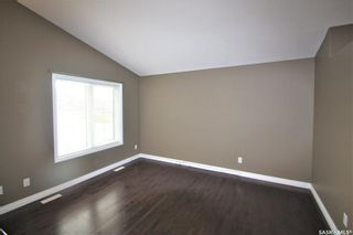 Photo 4: 142 Senick Crescent in Saskatoon: Stonebridge Residential for sale : MLS®# SK833191