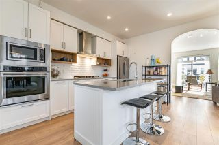 """Photo 5: 1 288 171 Street in Surrey: Pacific Douglas Townhouse for sale in """"The Crossing"""" (South Surrey White Rock)  : MLS®# R2551643"""