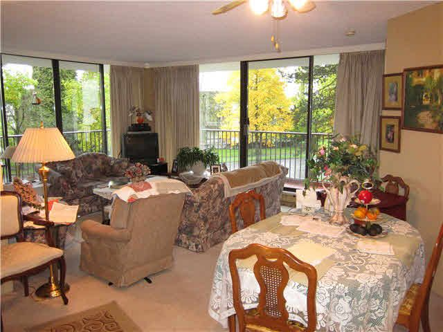 """Main Photo: 306 6455 WILLINGDON Avenue in Burnaby: Metrotown Condo for sale in """"PARKSIDE MANOR"""" (Burnaby South)  : MLS®# V1091912"""