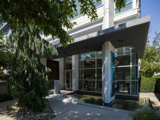 "Photo 3: 1302 158 W 13TH Street in North Vancouver: Central Lonsdale Condo for sale in ""VISTA PLACE"" : MLS®# R2497537"