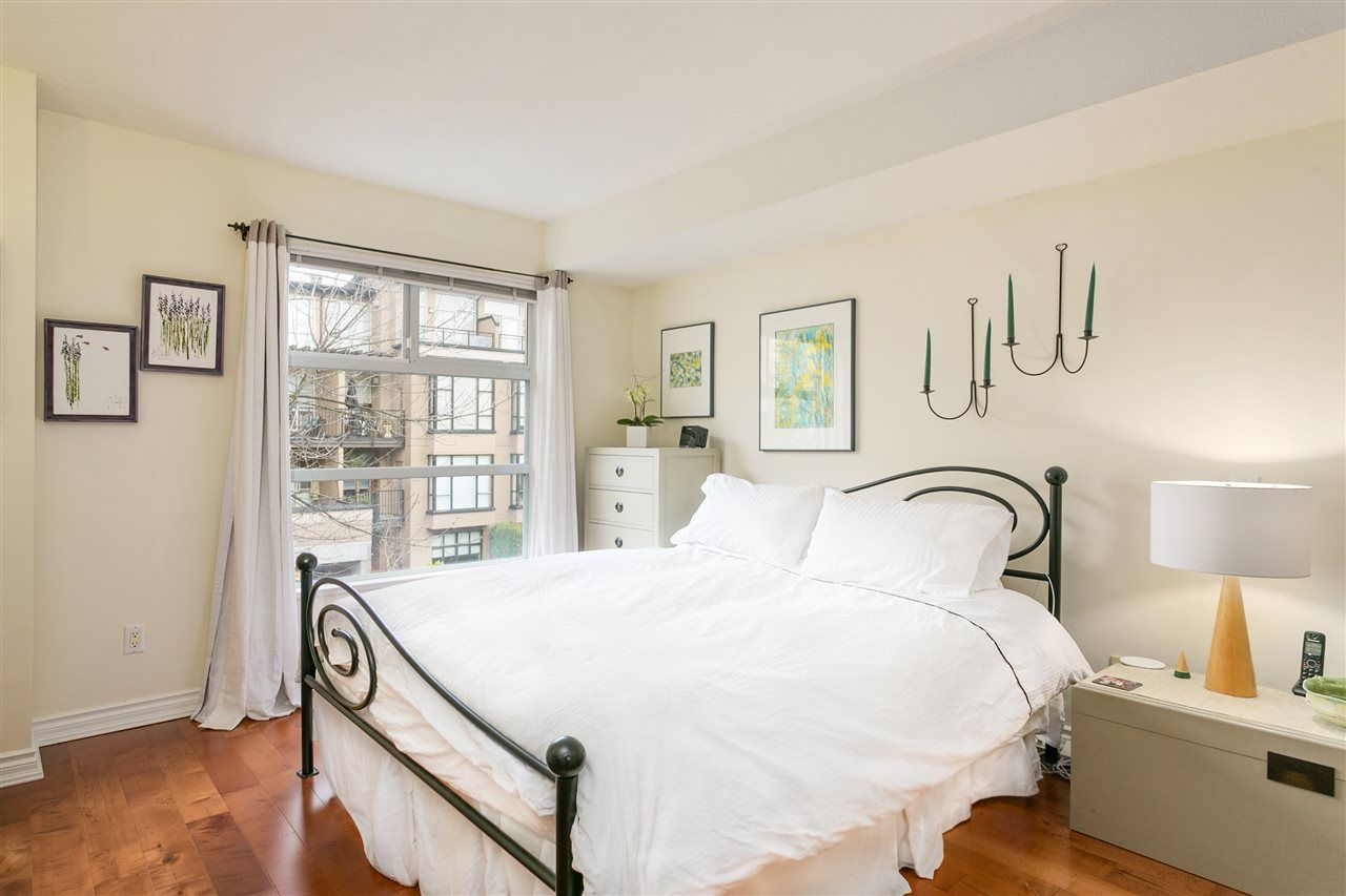 """Photo 7: Photos: 309 2181 W 12TH Avenue in Vancouver: Kitsilano Condo for sale in """"Carlings"""" (Vancouver West)  : MLS®# R2517965"""