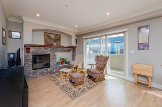 """Photo 4: 3 22225 50 Avenue in Langley: Murrayville Townhouse for sale in """"Murray's Landing"""" : MLS®# R2249180"""