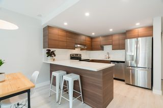 """Photo 9: 209 808 E 8TH Avenue in Vancouver: Mount Pleasant VE Condo for sale in """"Prince Albert Court"""" (Vancouver East)  : MLS®# R2605098"""