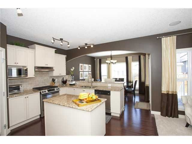 Photo 10: Photos: 309 EVERRIDGE Drive SW in CALGARY: Evergreen Residential Detached Single Family for sale (Calgary)  : MLS®# C3563849