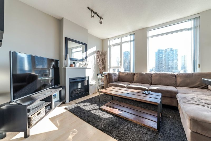 FEATURED LISTING: 706 - 1001 HOMER Street Vancouver