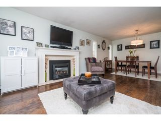 Photo 6: 20440 WALNUT Crescent in Maple Ridge: Southwest Maple Ridge House for sale : MLS®# R2164785