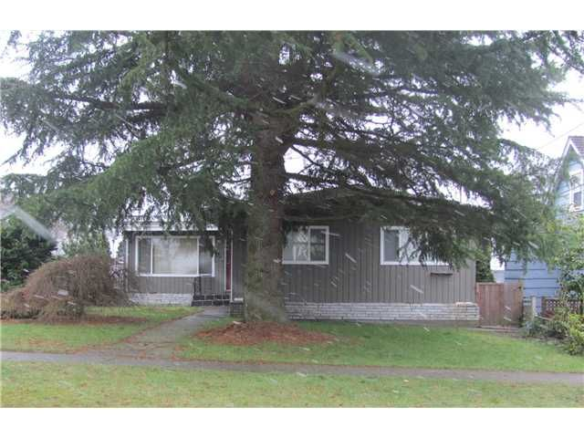 FEATURED LISTING: 1930 LONDON Street New Westminster