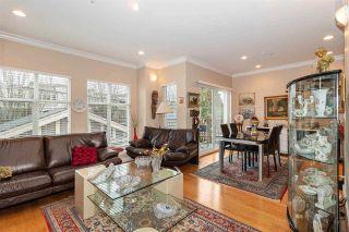 Photo 2: 1039 E 10TH Avenue in Vancouver: Mount Pleasant VE 1/2 Duplex for sale (Vancouver East)  : MLS®# R2442601
