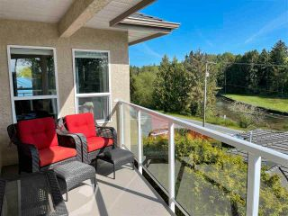 """Photo 28: 16047 8 Avenue in Surrey: King George Corridor House for sale in """"Border of White Rock/S.Surrey"""" (South Surrey White Rock)  : MLS®# R2579472"""