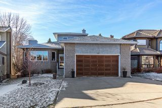 Photo 3: 113 Woodridge Close SW in Calgary: Woodbine Detached for sale : MLS®# A1060325