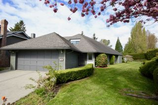 Photo 2: 845 IRONWOOD Place in Delta: Tsawwassen East House for sale (Tsawwassen)  : MLS®# R2447157