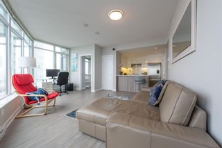 """Photo 2: 3003 4900 LENNOX Lane in Burnaby: Metrotown Condo for sale in """"THE PARK METROTOWN"""" (Burnaby South)  : MLS®# R2418432"""