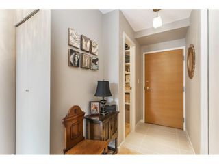 """Photo 9: 1301 928 HOMER Street in Vancouver: Yaletown Condo for sale in """"Yaletown Park 1"""" (Vancouver West)  : MLS®# R2605700"""