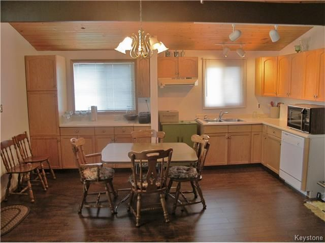 Photo 11: Photos:  in St Laurent: Twin Lake Beach Residential for sale (R19)  : MLS®# 1728716