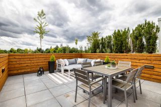 """Main Photo: 409 2508 FRASER Street in Vancouver: Mount Pleasant VE Condo for sale in """"MIDTOWN CENTRAL"""" (Vancouver East)  : MLS®# R2593537"""