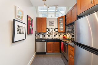 """Photo 10: 2415 W 6TH Avenue in Vancouver: Kitsilano Townhouse for sale in """"Cute Place In Kitsilano"""" (Vancouver West)  : MLS®# R2129865"""