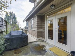 "Photo 11: 229 E QUEENS Road in North Vancouver: Upper Lonsdale Townhouse for sale in ""QUEENS COURT"" : MLS®# R2362718"