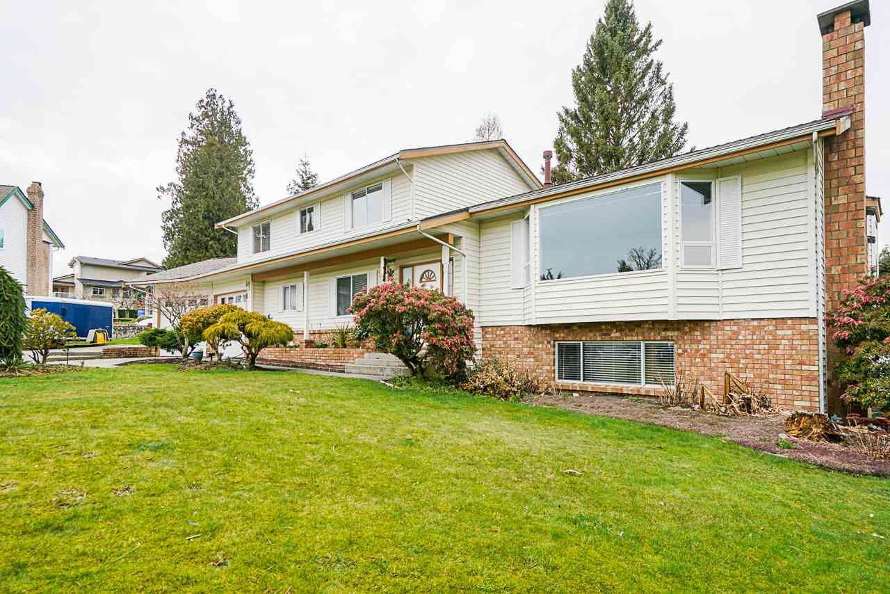 """Main Photo: 5749 189A Street in Surrey: Cloverdale BC House for sale in """"FAIRWAY ESTATES"""" (Cloverdale)  : MLS®# R2545304"""